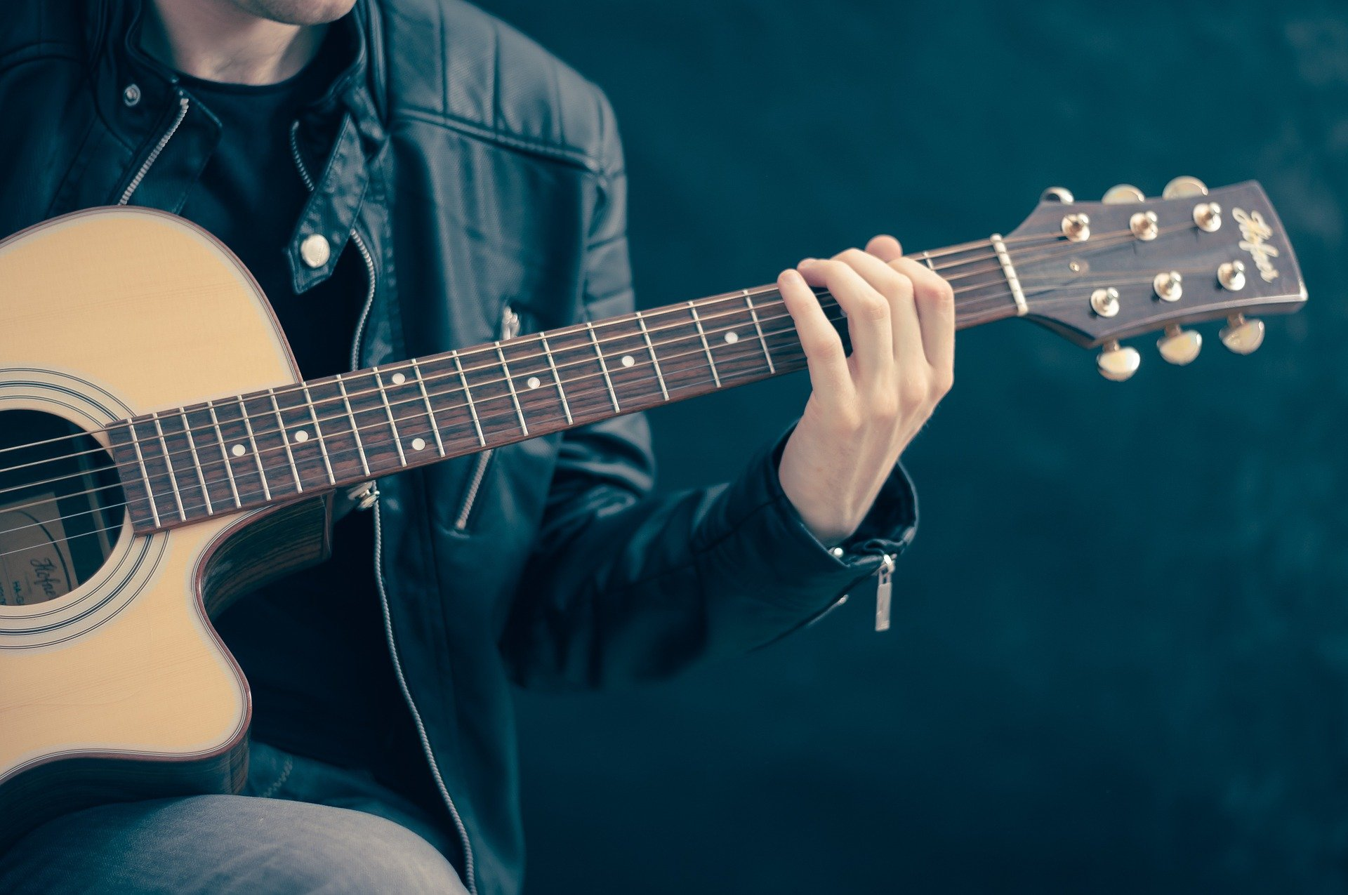 10 Great Country Guitar Lessons on YouTube